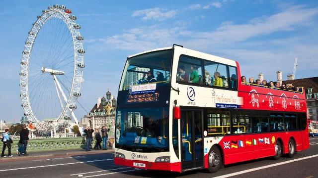 los buses tur sticos otra manera de recorrer las grandes ciudades actitudviajera. Black Bedroom Furniture Sets. Home Design Ideas