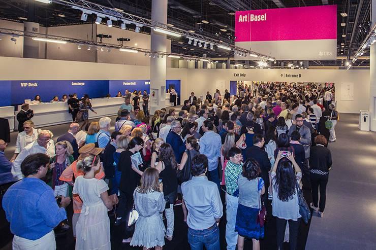 La feria Miami art Basel se celebró este año del 4 al 8 de Diciembre. Esta es la fila de VIP el dia de la inauguración.