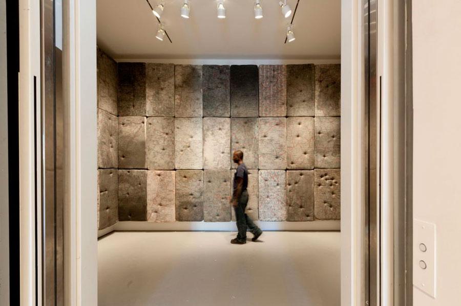 """Instalación de """"La Sacre"""", 1992, en la muestra del 2010 en la galeria Sperone Westwater de New York"""