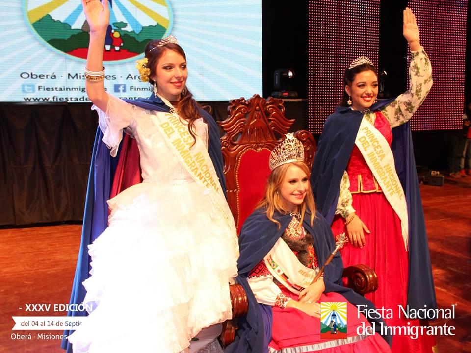 La Reina Nacional del Inmigrante 2014 y sus princesas.