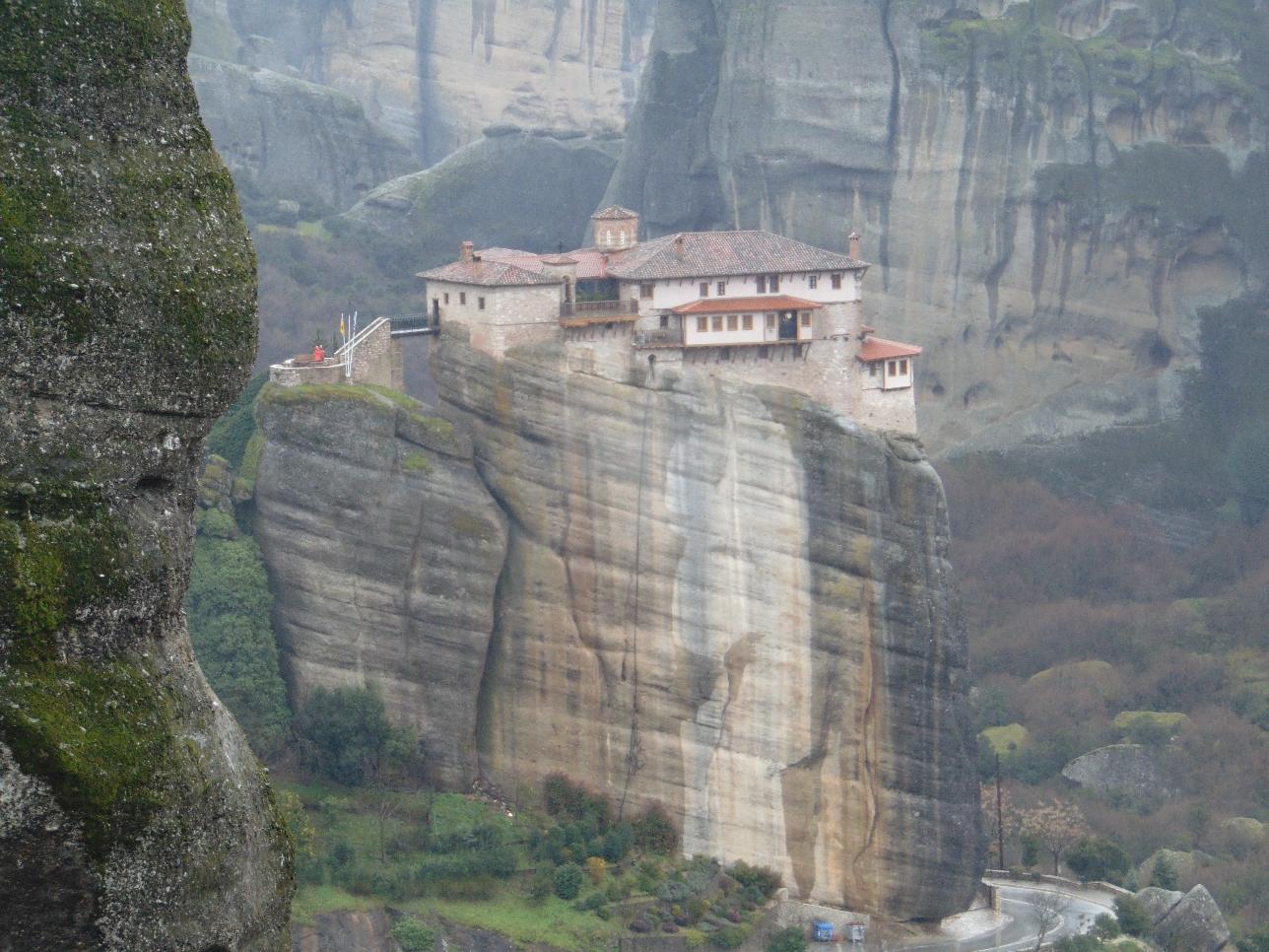 Los primeros monasterios de los cristianos ortodoxos griegos se fundaron en el siglo XIV
