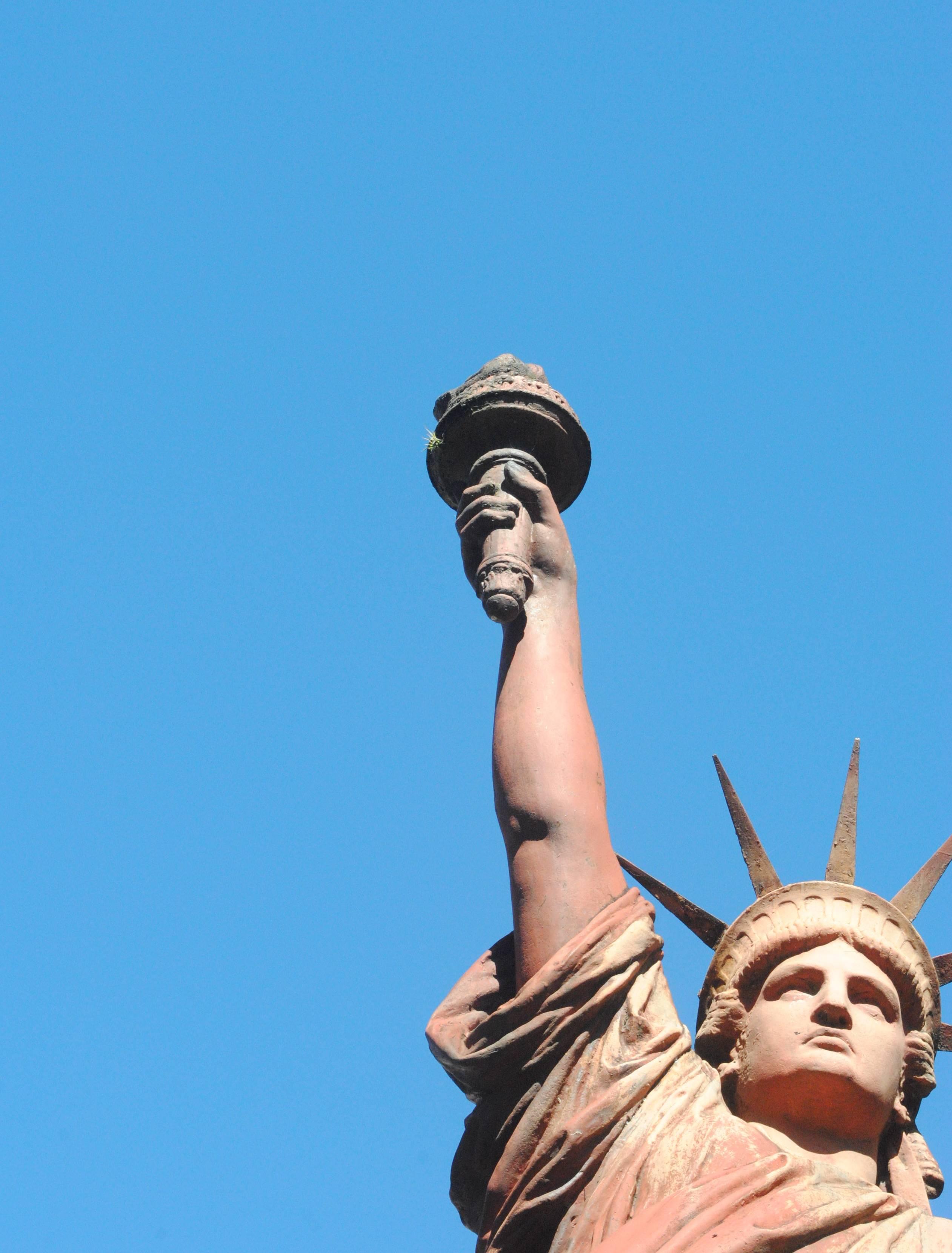 Fotos la estatua de la libertad tambi n est en argentina for Interior estatua de la libertad