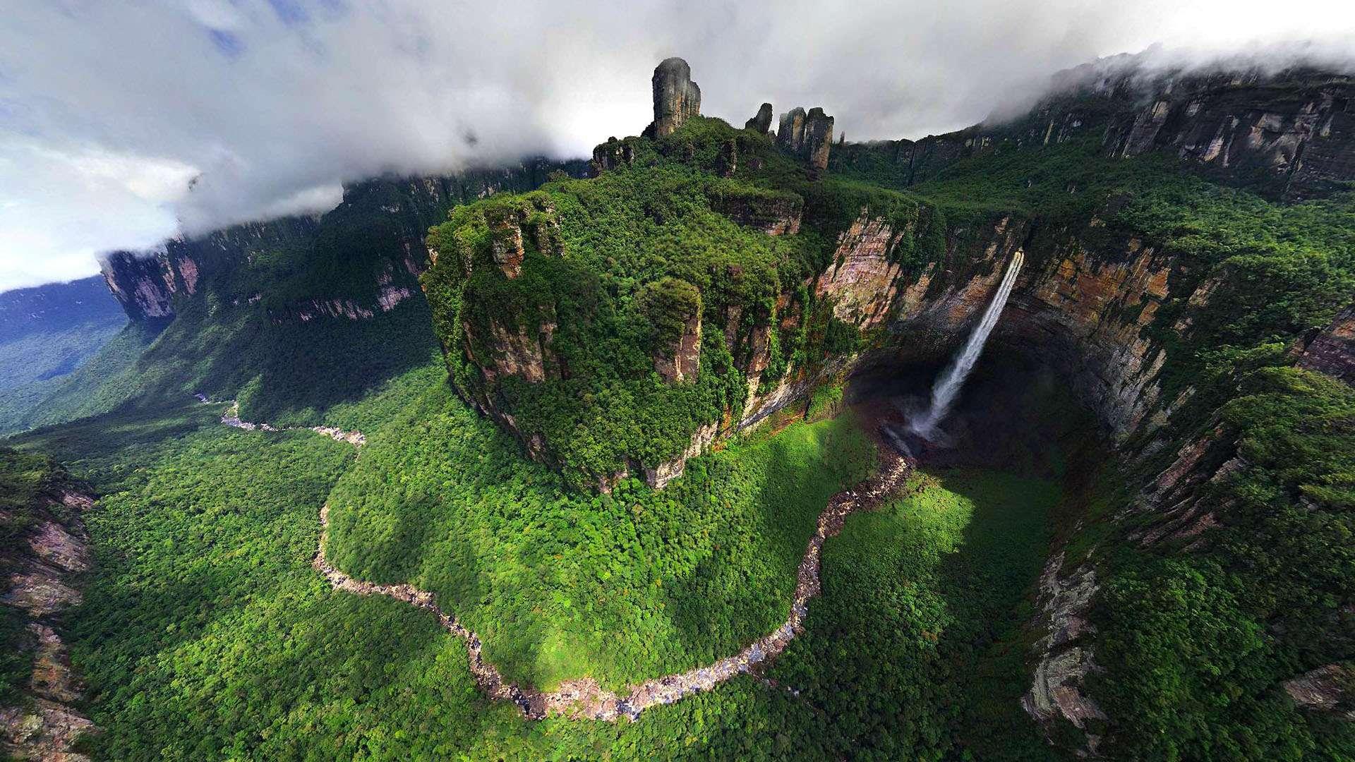 Dragon Falls Venezuela