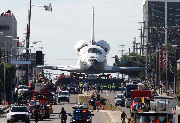 Los astronautas pararon para pedir direcciones